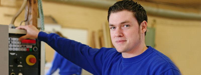 JONAS BATKE | Tischlermeister & Holztechniker | Kundenberatung | Angebotserstellung | Arbeitsvorbereitung